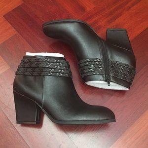 LIFE STRIDE Western Black Kendra Boots